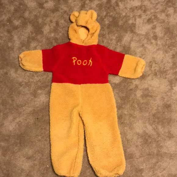 0163e5f6c8ca Disney Other - Winnie the Pooh costume size 4-6 from Disney store